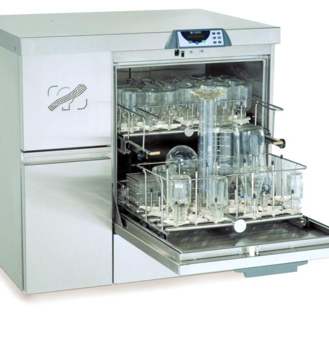 Lancer Labexia 820 LX glassware washer